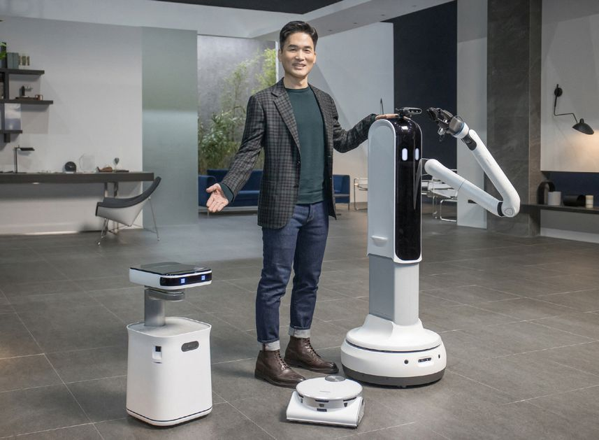 Samsung's new robot serves drinks and collects dirty dishes